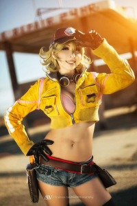 Brinni as Cindy Aurum