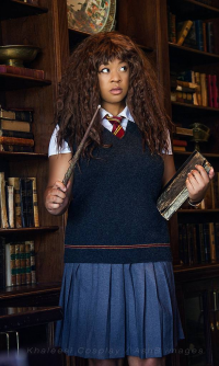 Cosplay Khaleesi as Hermione Granger