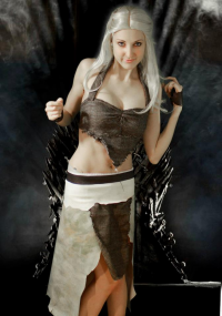 Fantasci-fi Girl as Daenerys Targaryen
