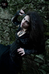 Íris Santos as Bellatrix Lestrange