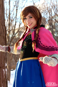 Bec's Cosplay Wonderland as Anna of Arendelle