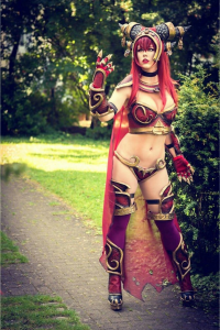 Miu Moonlight as Alexstrasza