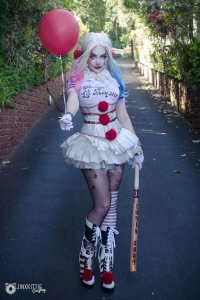 Jinx Kittie Cosplay as Harley Quinn/Pennywise, unknown artist as Pennywise