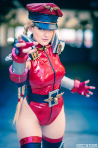 Alicia Bellamy as Cammy White/Bison