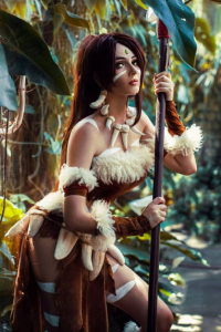 Bellatrix Aiden as Nidalee