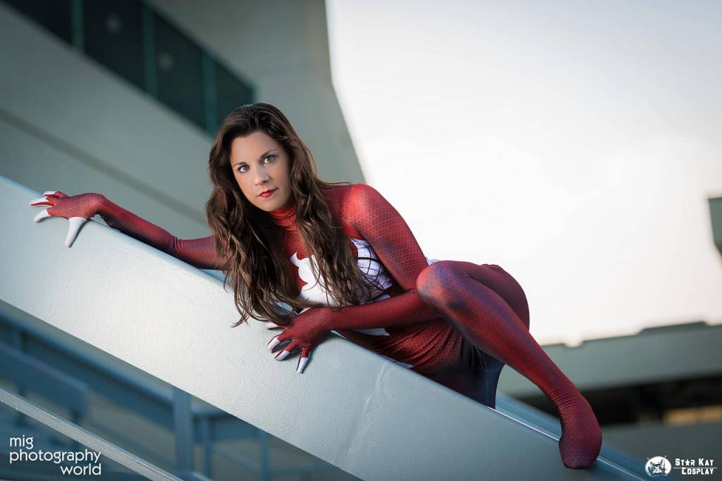 woman Ultimate cosplay spider